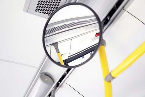 Перевозчики Латвии встревожены: общественный транспорт теряет 4-6 пассажиров в год