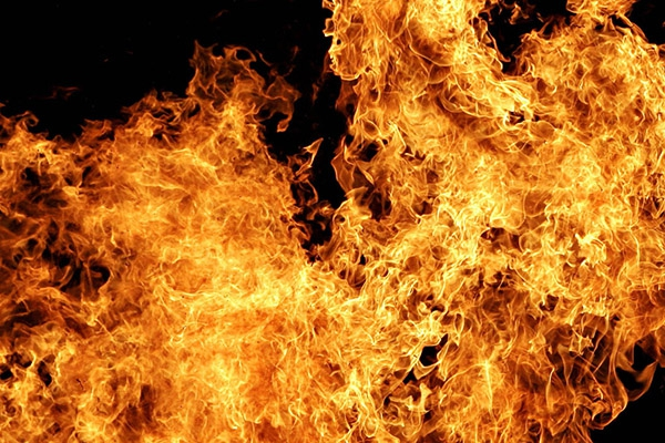 В пожаре пострадали два человека