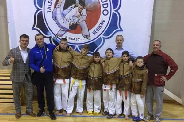 Юные дзюдоисты из разных стран состязались в Резекне и учились у Всеволода Зеленого