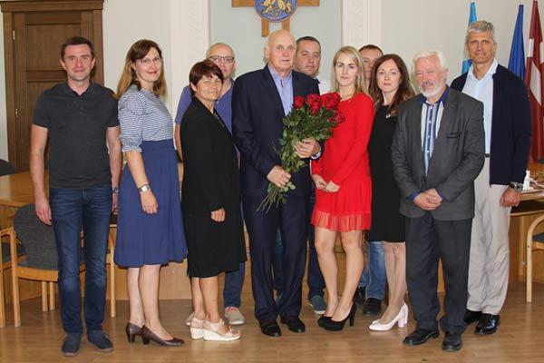 В Резекненской городской думе чествовали тренера Петериса Стрипкана