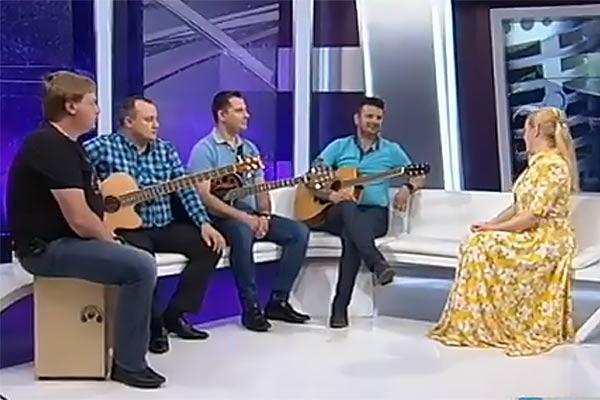 """Группа из Резекне """"Время тепла"""" выступила на Латвийском телевидении"""