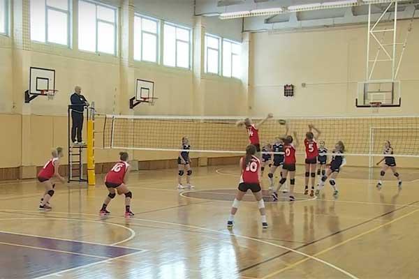 ВИДЕО: В Резекне прошли латвийские соревнования по волейболу среди девочек