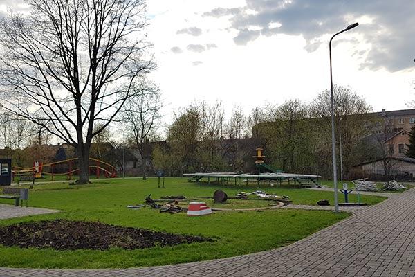 Резекненский парк культуры и отдыха попрощался с каруселями