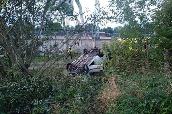 Водителя-лихача вырезали гидравликой из машины