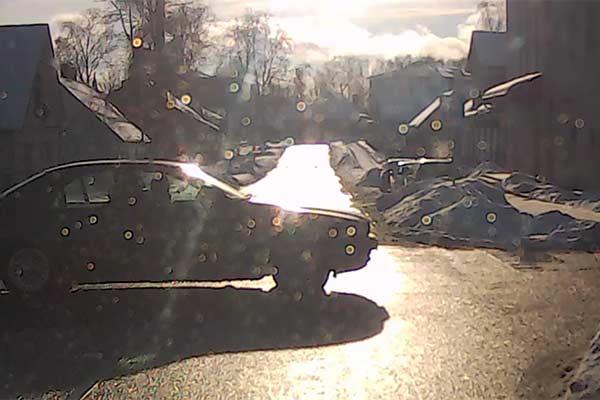 ВИДЕО: Водитель BMW спровоцировал ДТП, которого удалось избежать лишь чудом
